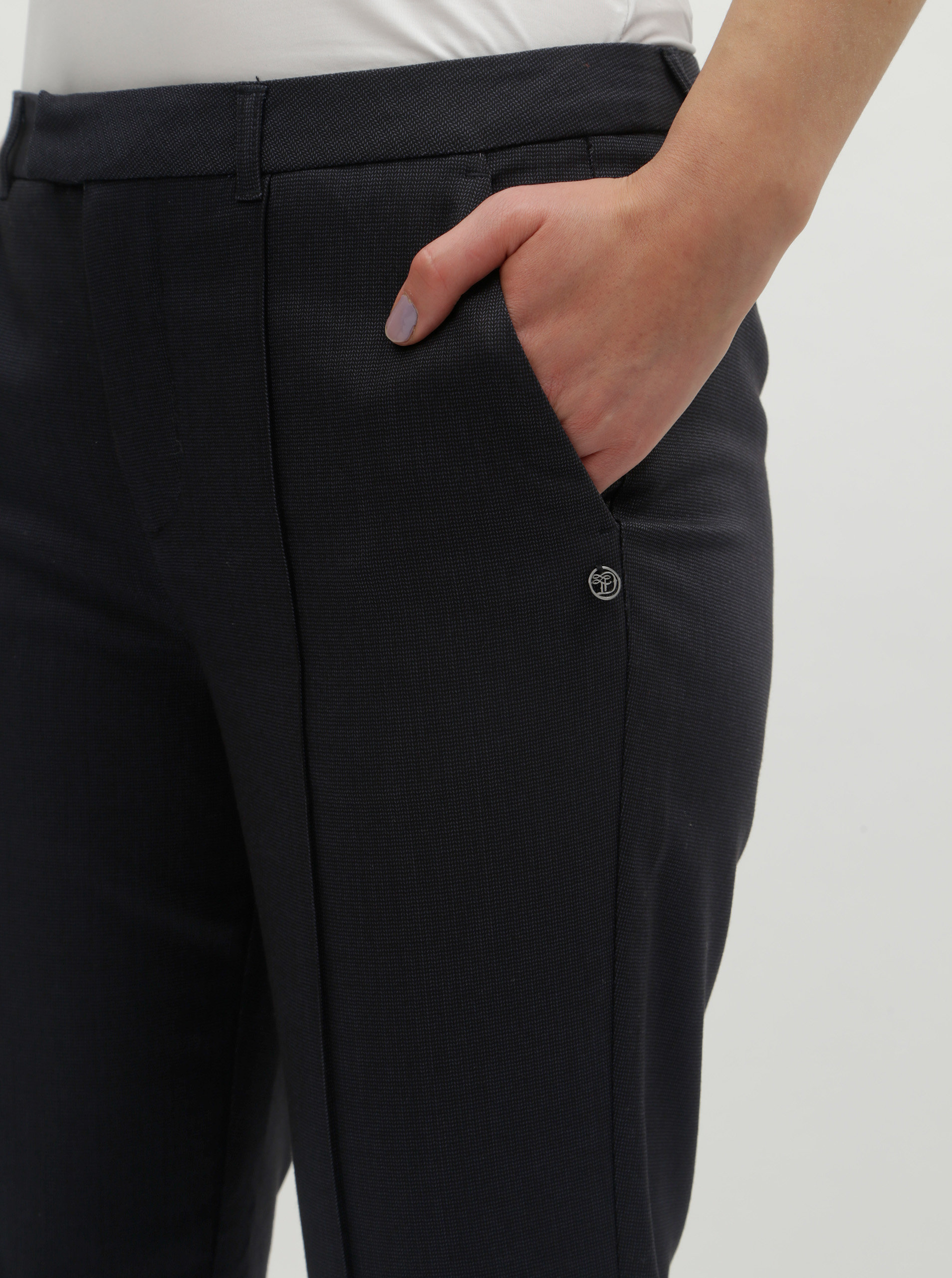 244b400f2260 Tmavomodré dámske skrátené nohavice Tom Tailor Denim ...
