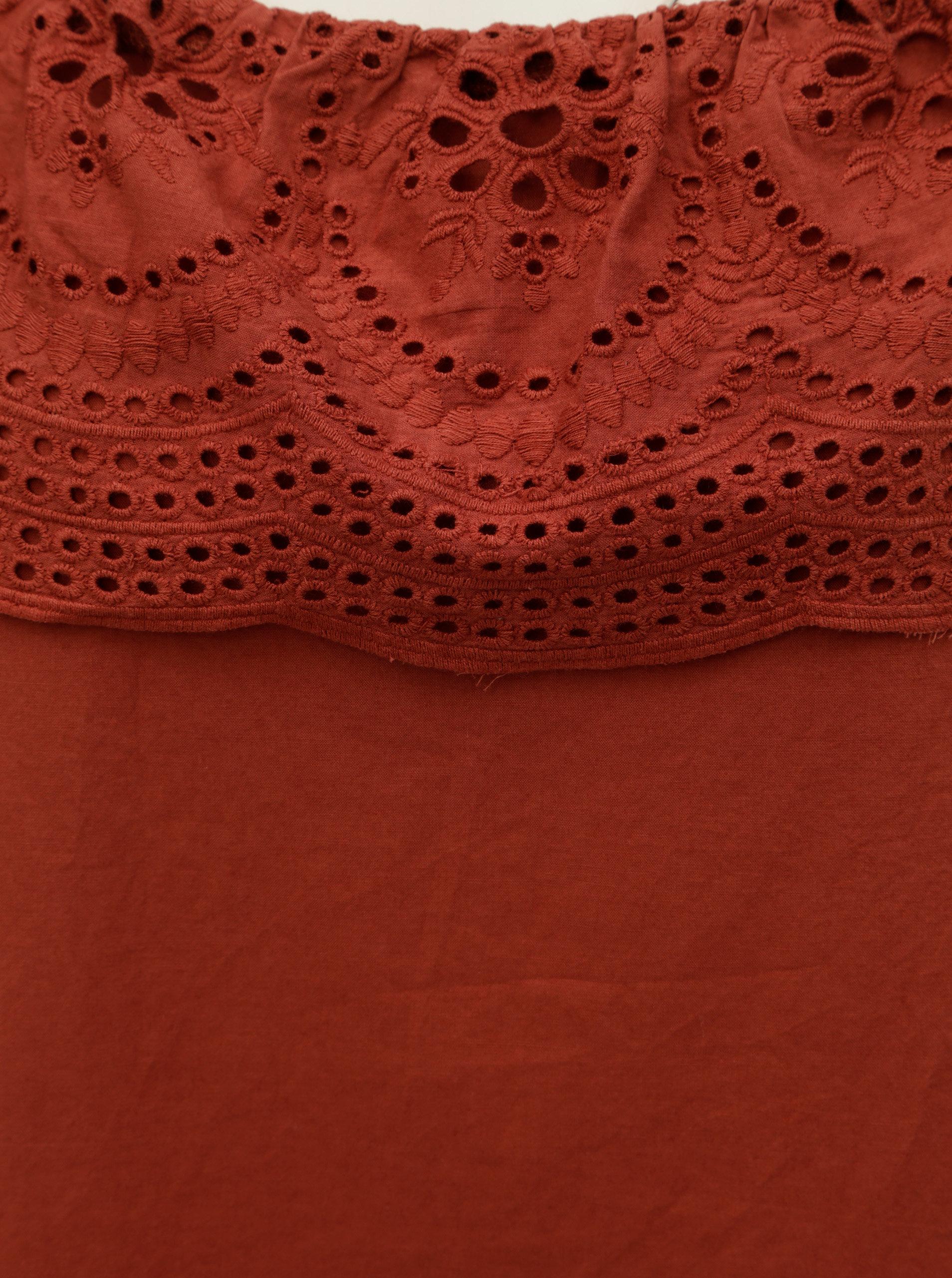 1763ea41394c Tehlové šaty s madeirou a odhalenými ramenami Dorothy Perkins