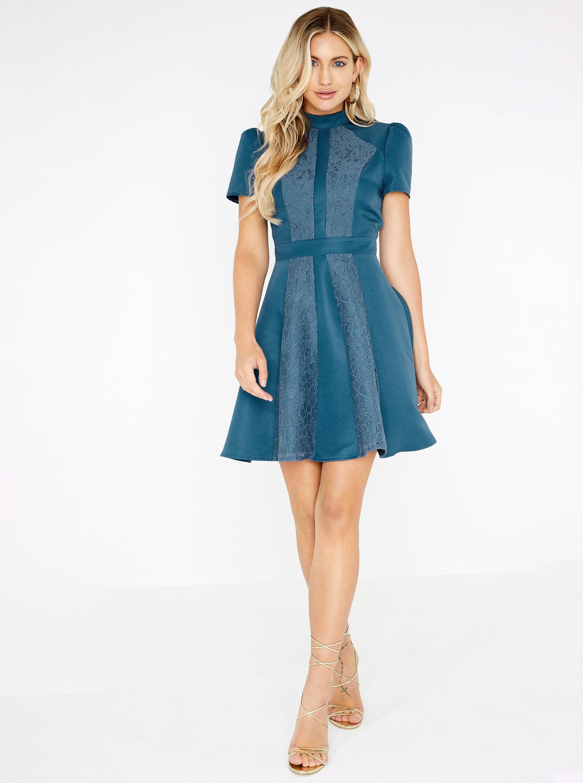 2472b41d825c Modré šaty s čipkou Little Mistress ...