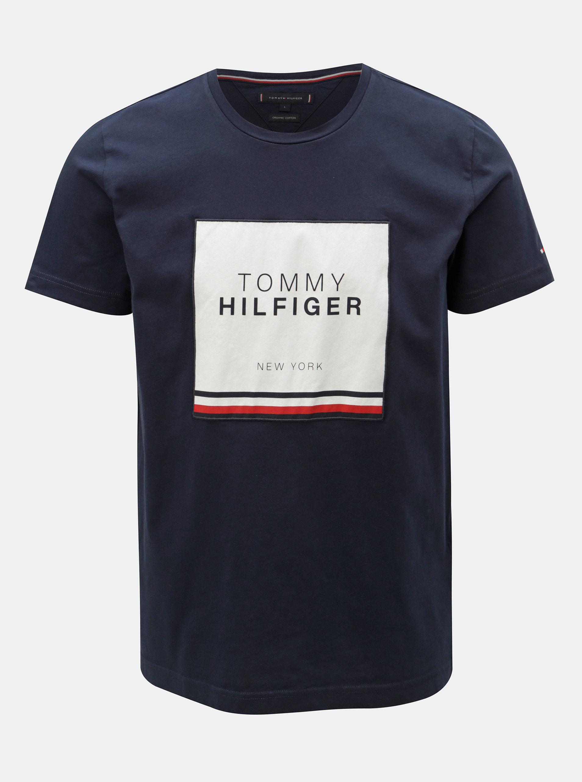 607505a810 Tmavomodré pánske tričko s nášivkou Tommy Hilfiger ...