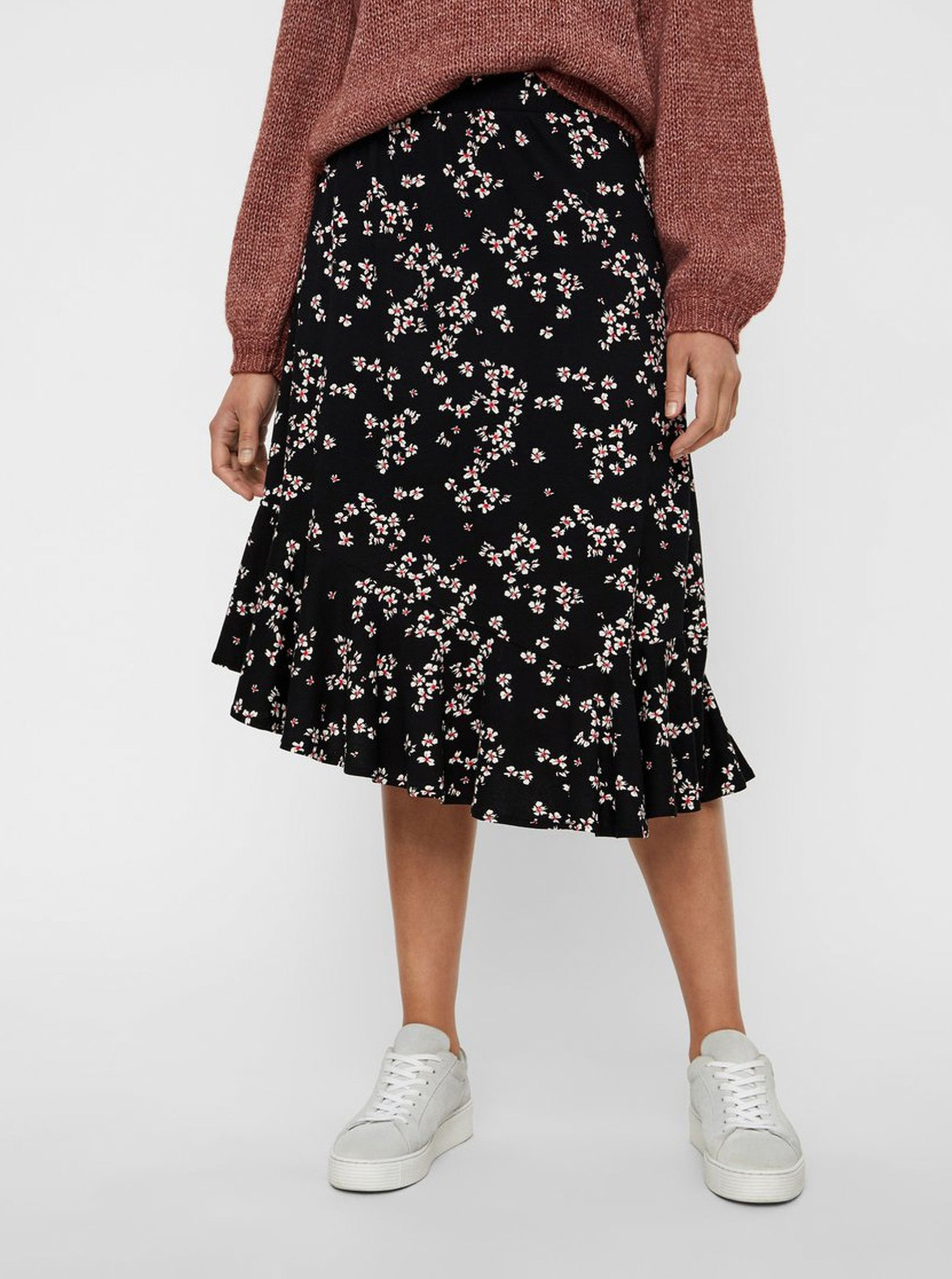 5f70926901bb Čierna kvetovaná sukňa s volánom VERO MODA Bloom ...