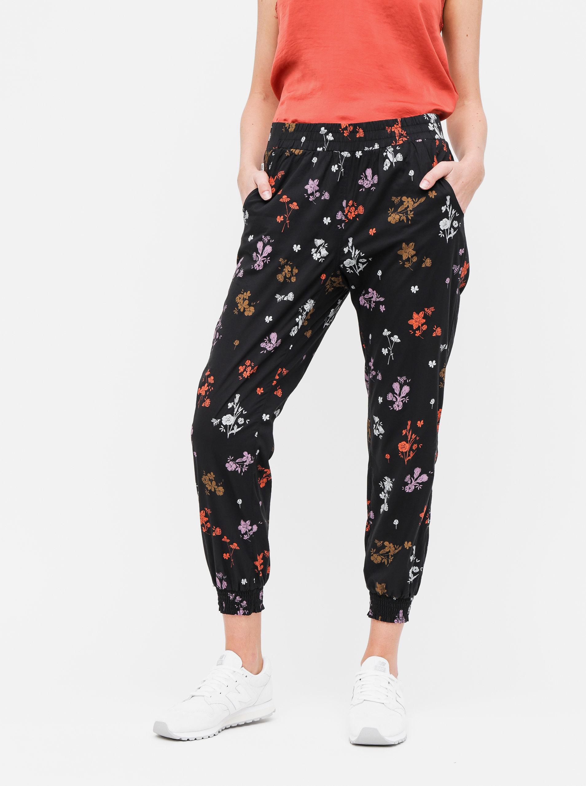 50cd102b6b09 Čierne dámske kvetované nohavice Maloja Marietta ...