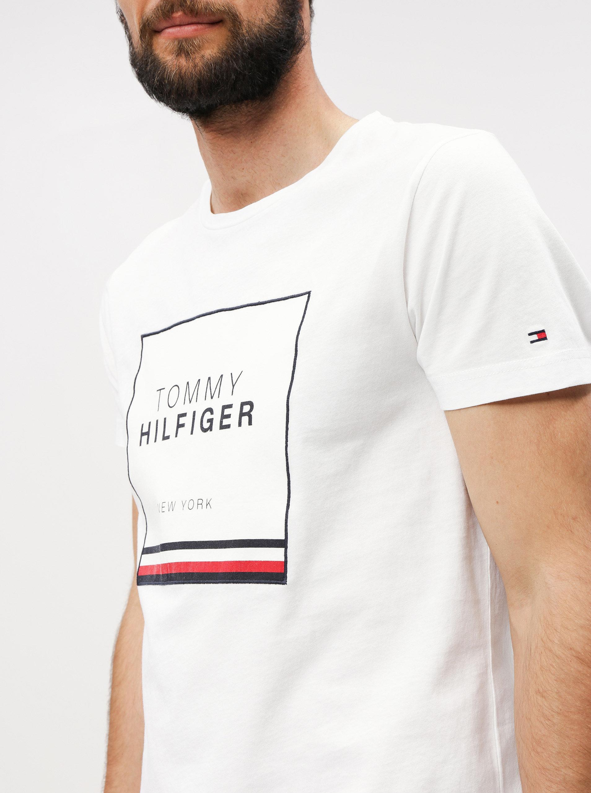 20ac8971cc Biele pánske tričko s nášivkou Tommy Hilfiger ...