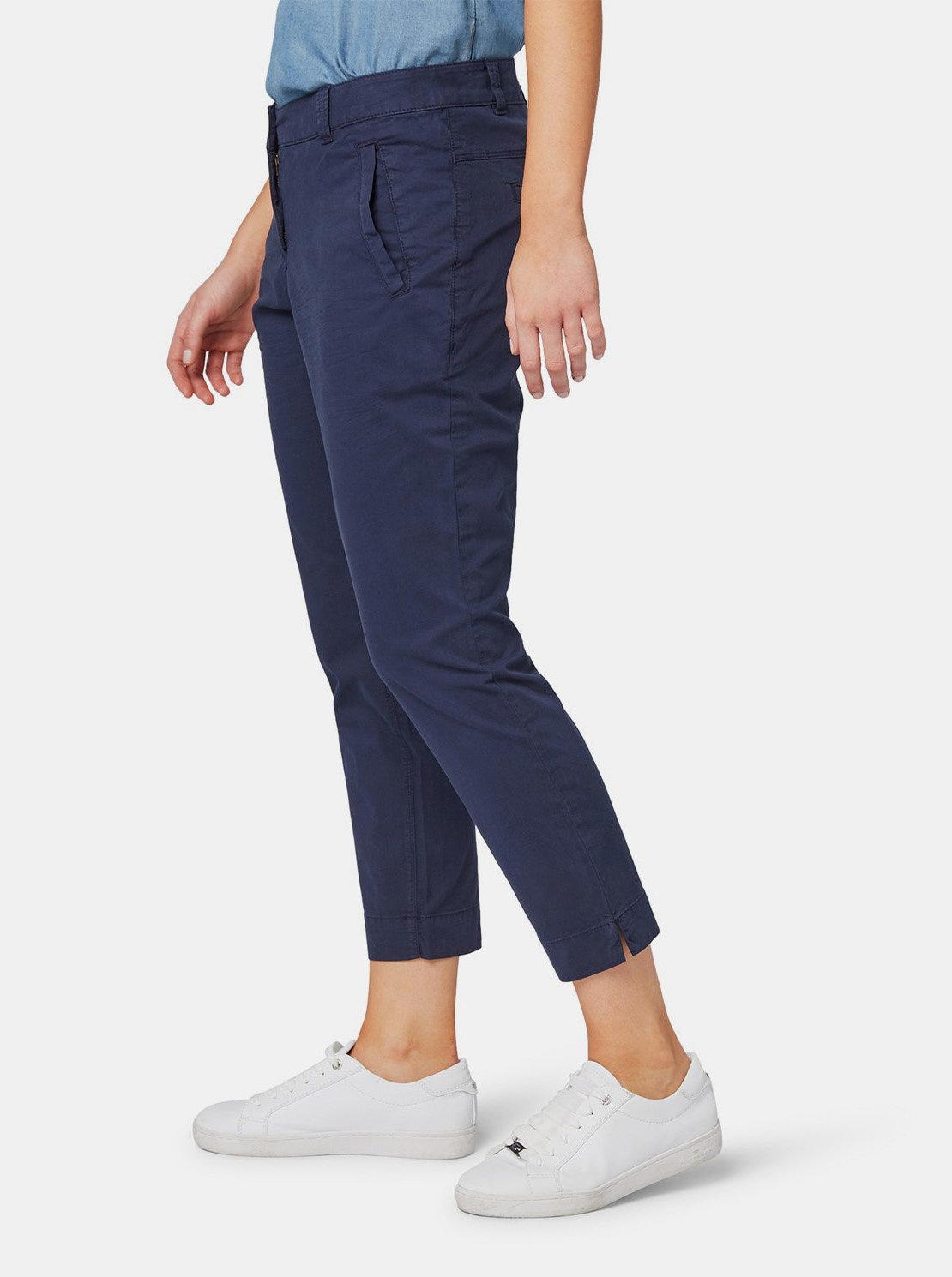 80105fcd323e Tmavomodré dámske skrátené slim fit chino nohavice Tom Tailor ...