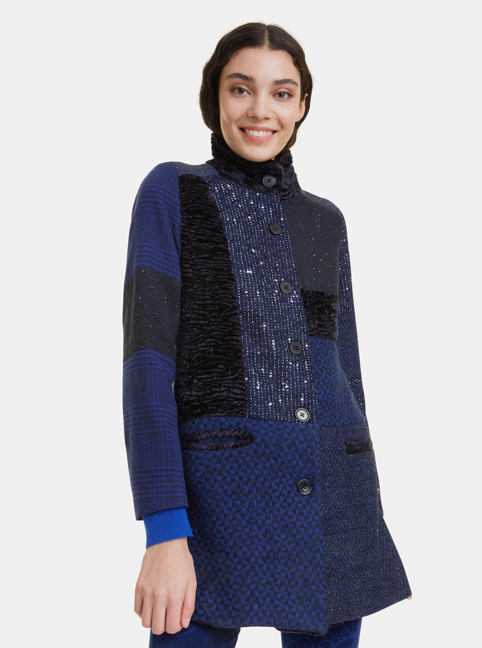 Tmavě modrý vzorovaný kabát Desigual