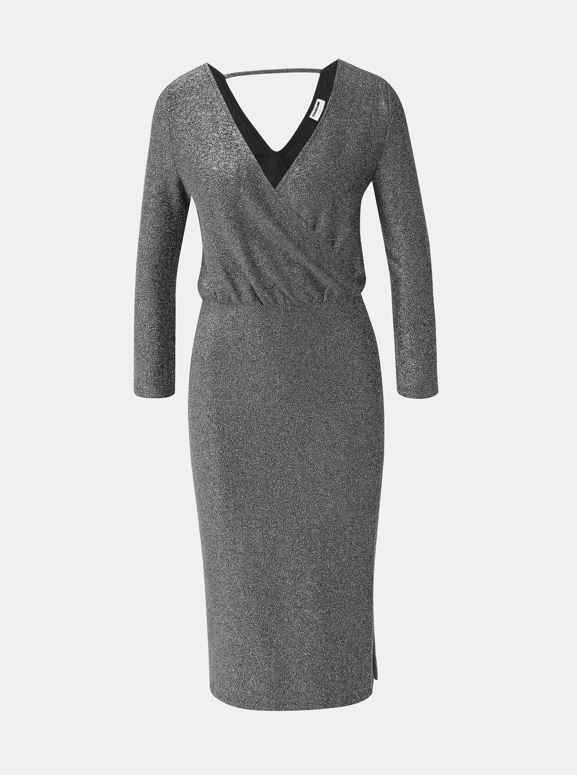 Třpytivé šaty ve stříbrné barvě s rozparky Noisy May Infinity