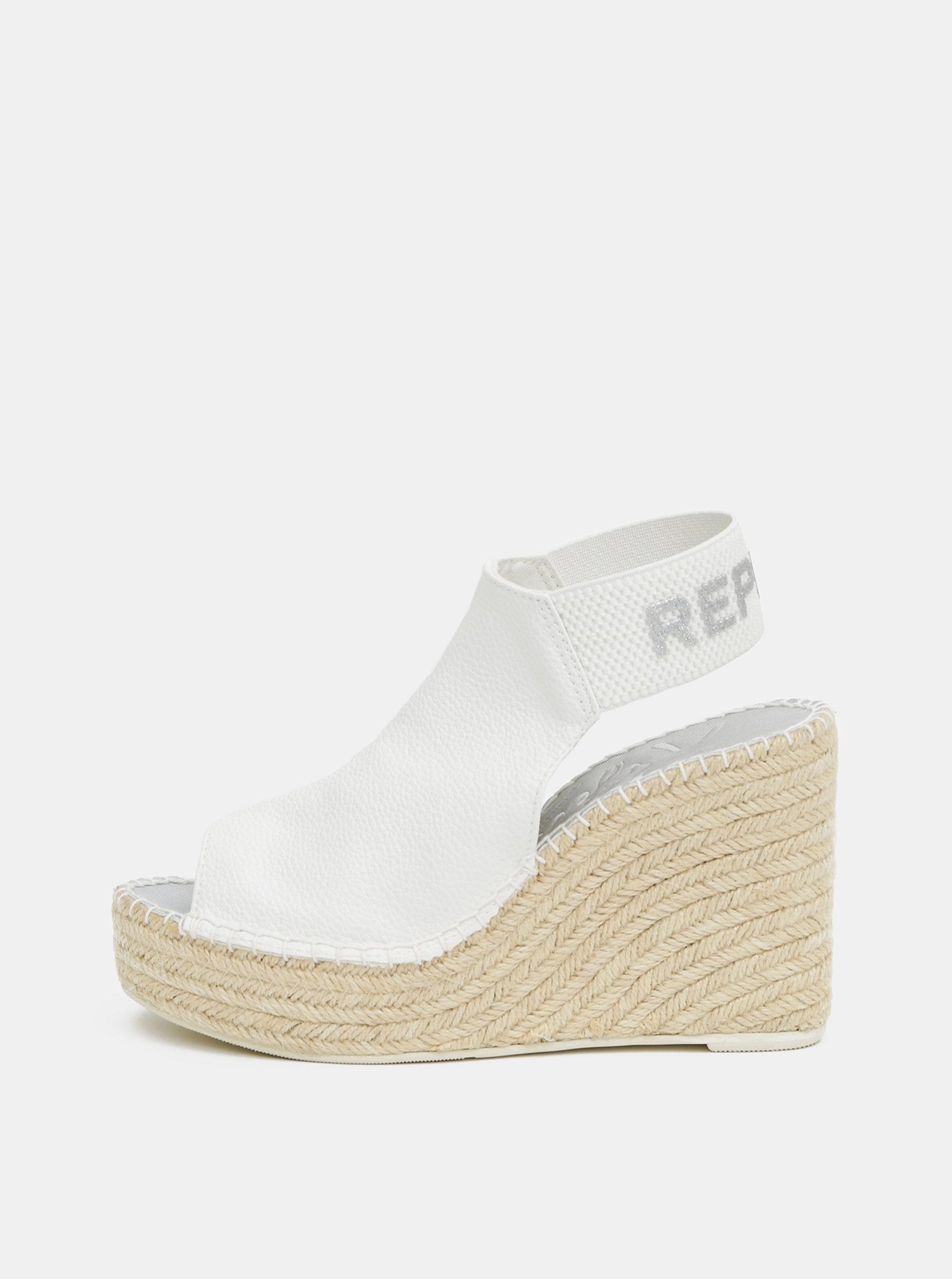 Bílé dámské sandálky na klínku Replay