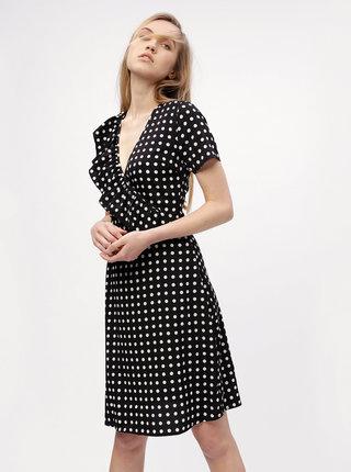 Čierne bodkované šaty s prekladaným výstrihom MISSGUIDED