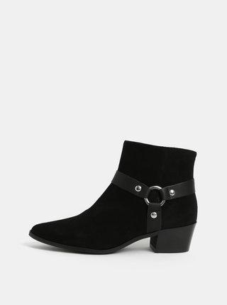 Čierne členkové semišové topánky na podpätku Pieces