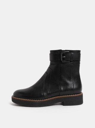 Černé dámské kožené kotníkové boty s přezkou Geox Adrya