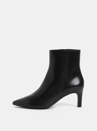 Čierne dámske kožené členkové topánky na úzkom podpätku Geox Bibbiana