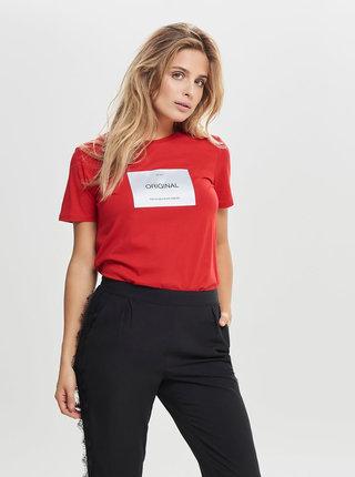 Červené tričko s nášivkou ONLY Lux