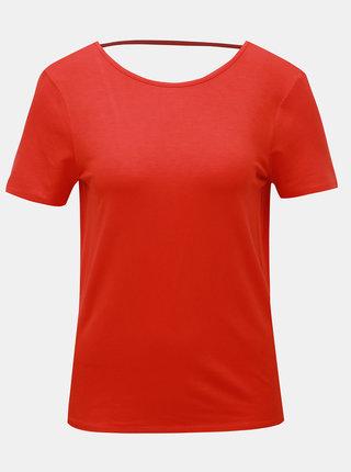 Červené tričko s výstřihem na zádech Noisy May