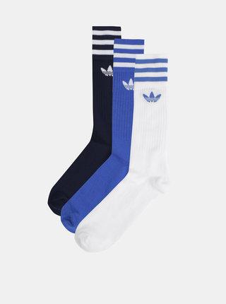 Balenie troch párov pánskych ponožiek v modrej a bielej farbe adidas Originals Solid Crew