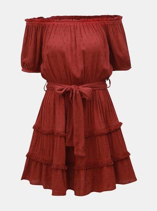 Vínové šaty s odhalenými ramenami Miss Selfridge