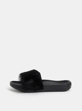 Černé dámské pantofle s kožíškem UGG