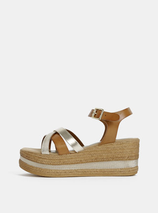 Sandálky v hnedej a zlatej farbe na platforme Tamaris