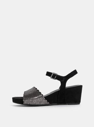 Černé semišové sandálky na klínku Tamaris