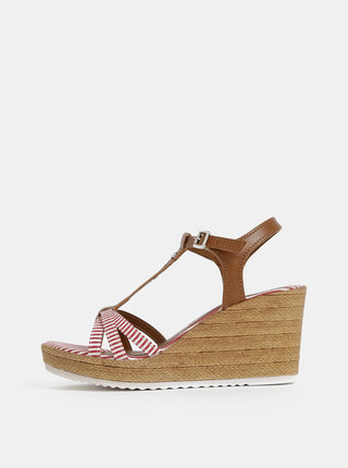 Červeno-hnedé kožené sandálky na plnom podpätku Tamaris