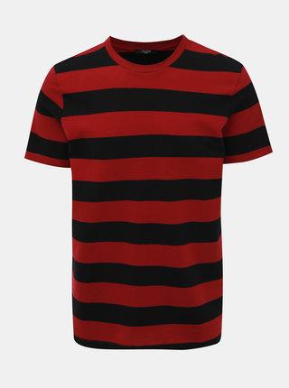 Červeno-čierne pruhované basic tričko Jack & Jones Logan