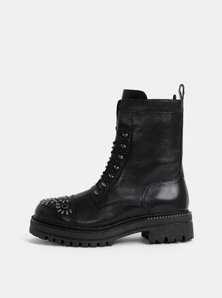 Černé kožené kotníkové topánky Tamaris