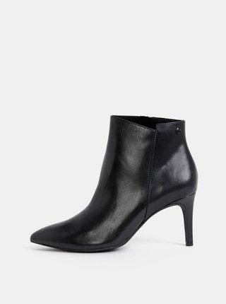 Čierne dámske kožené kotníkové topánky s.Oliver