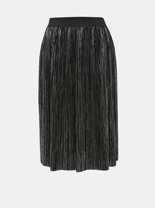 Čierna plisovaná sukňa s odleskami v striebornej farbe Noisy May Kiss