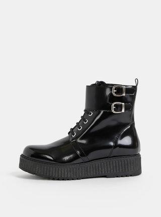 Černé lesklé kotníkové boty na platformě OJJU