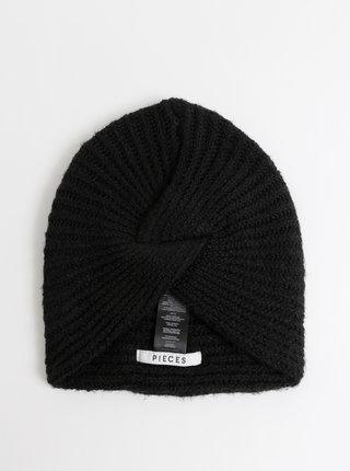 Čierna čapica Pieces Hurbi