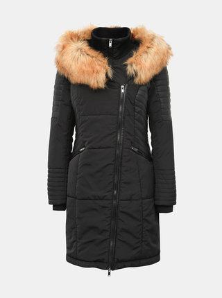 Černý prošívaný zimní kabát s koženkovými detaily a všitým límcem ONLY