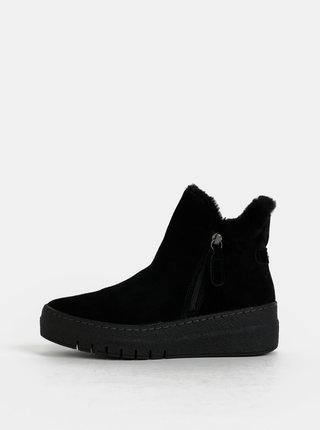 Čierne zimné semišové členkové topánky na platforme Tamaris