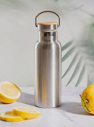 Nerezová láhev na vodu ve stříbrné barvě Sass & Belle