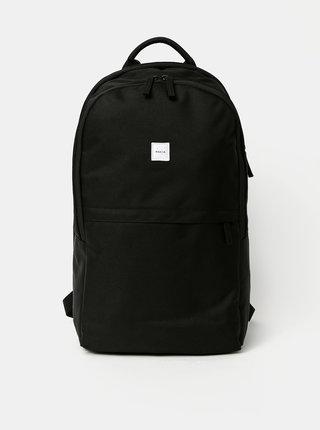 Černý batoh Makia Ahjo
