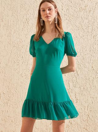 Zelené šaty Trendyol