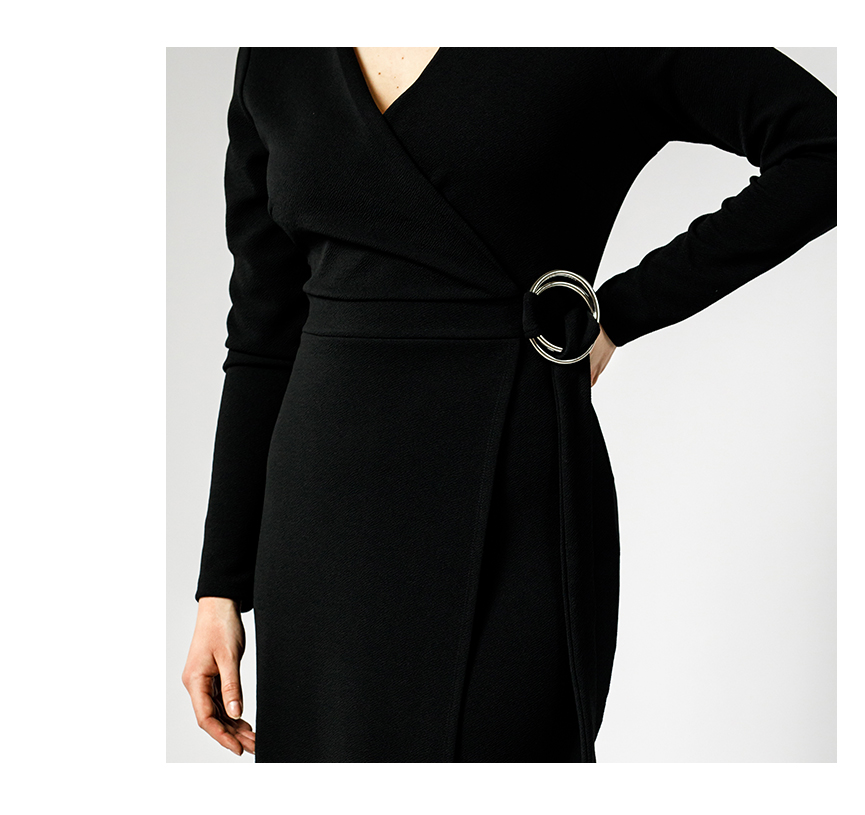 Pouzdrové šaty - detail