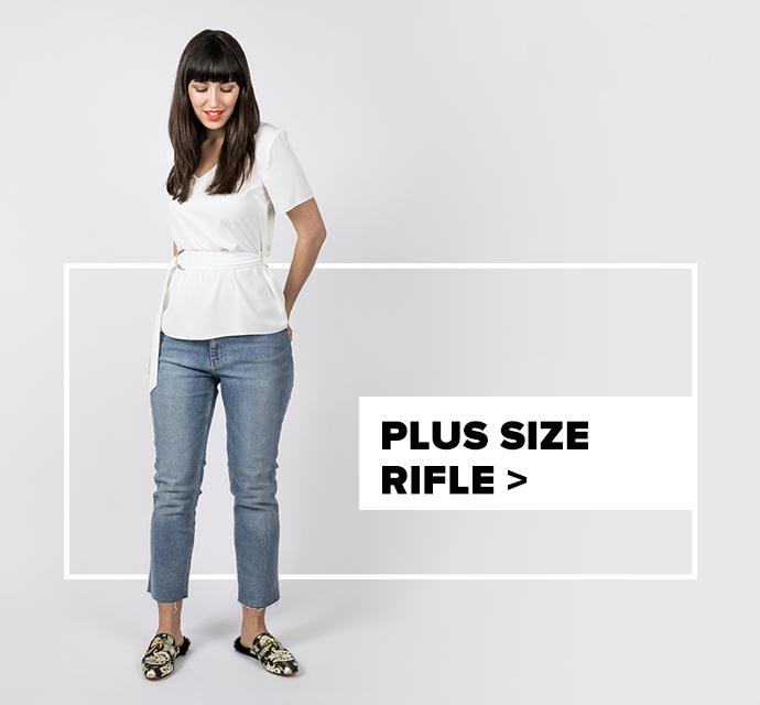 strih dámskych riflí plus size - outfit na postave